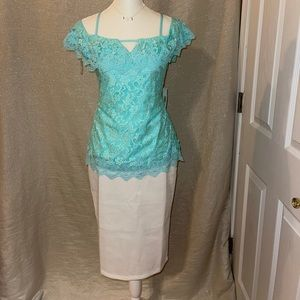 NWT OFF SHOULD LACE TOP WITH KEYHOLE